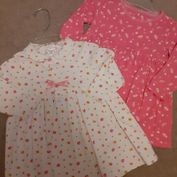 2 Long sleeve outfits Girls 12 mos